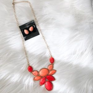 FINAL❗️ Salmon/Coral Statement Necklace